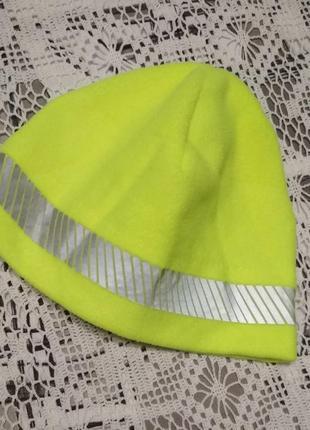 Спортивна шапка з світловідбивною стрічкою