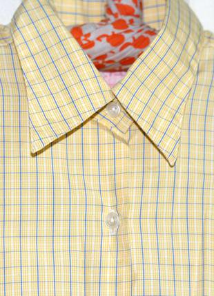 Стильная светло-желтая рубашка на запонках