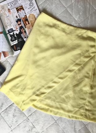 Супер яркая жёлтая юбка геометрия геометрический крой