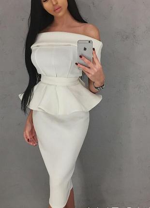 Платье. есть цвета