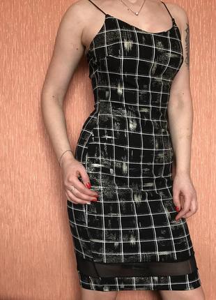 Облегающее платье в клетку