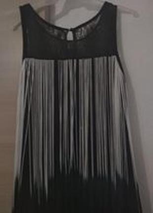 Платье короткое с нитями
