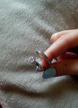 Стильные кольца под серебро