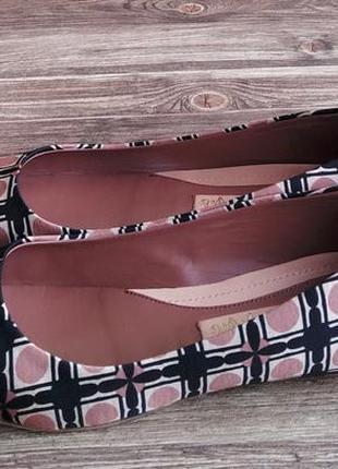 Туфли-балетки max&co с металлическим носком. размер 38.