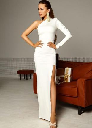 Платье ассиметричное с плотной ткани
