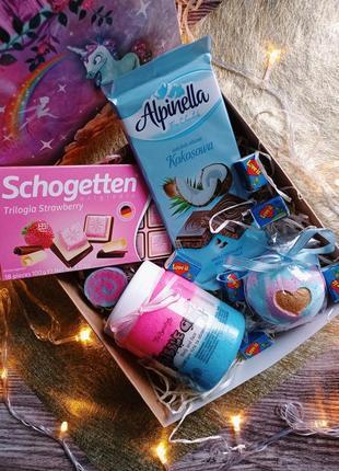Подарочный набор бокс для девушки, девочки подарок скраб для тела бомбочка для ванны