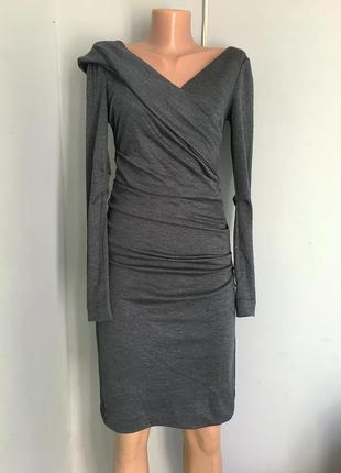 Платье шикарное стильное натуральная шерсть, по фигуре, бренд оригинал.