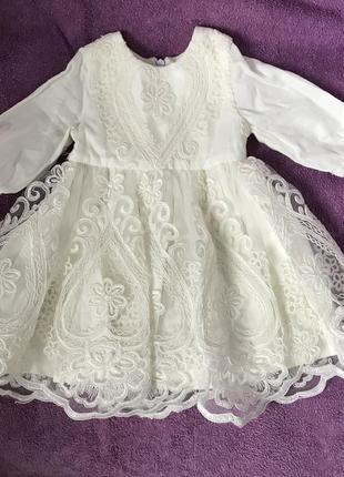 Нарядное платье на малышку, крестильное платье
