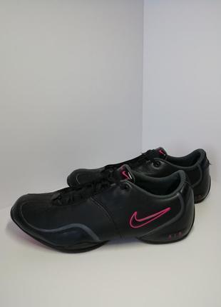 Кросівки nike. 40