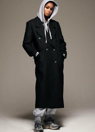 Длинное шерстяное пальто zara черного цвета