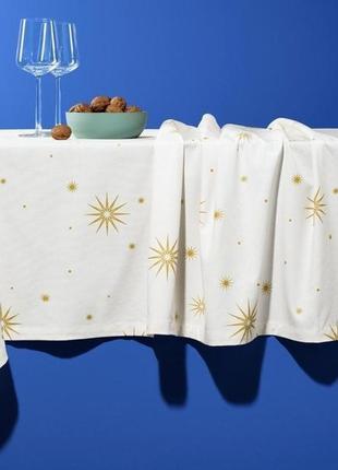 Шикарная праздничная скатерть с узором .германия. размер 150 x 270 см