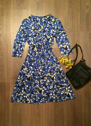 Очень женственное темно голубое платье с принтом бабочкамимного других интересных вещей