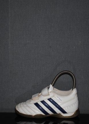 Футзалки adidas 28 р