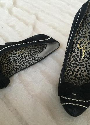 Туфли на высоком каблуке 1