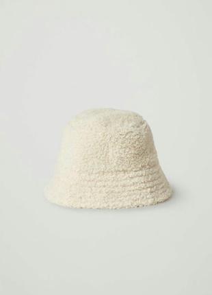 Шляпа- панама из меха.