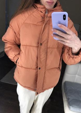 Пуховик терракотовый укорочённый с капюшоном тёплый объёмный куртка