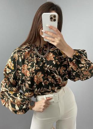 Шикарная блуза в цветы  hm