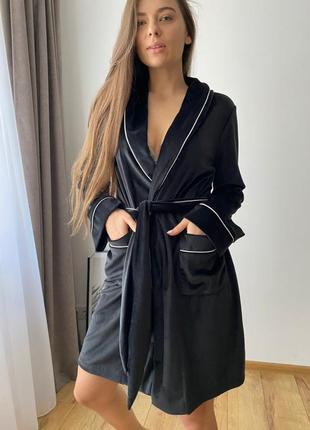 Велюровый плюшевый черный халат на запах