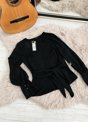 Чёрная блуза с длинными рукавами