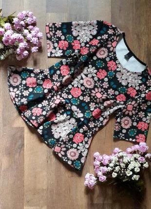 Много стильных вещей. красивая блуза