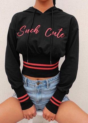 Чёрный худи женский свитшот с капюшоном укорочённый