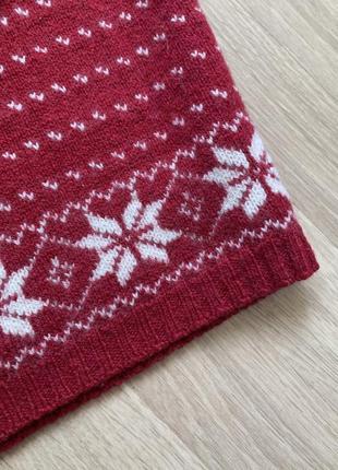 Тёплый свитер с оленями