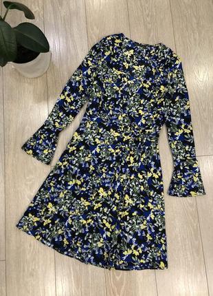 Платье на запах в цветы размер 10-12 marks& spencer