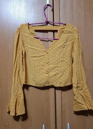 Лёгкая укороченная песочная блуза в белый горошек, короткая блузка - топик