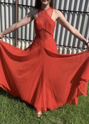 Шикарное вечернее красное платье