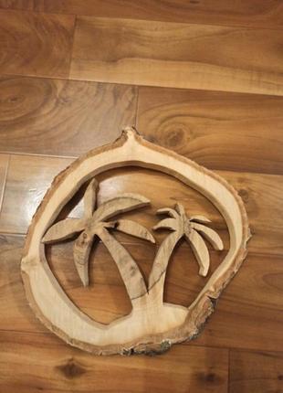 Крафтовый настенный декор со среза ореха.