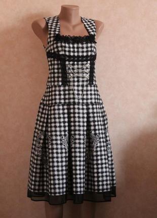 Шикарное платье готический стиль 40