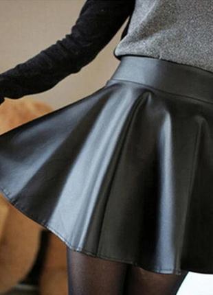 Чёрная юбка плиссе