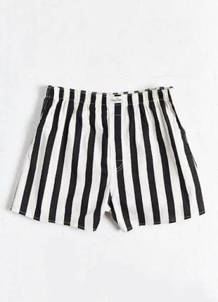 Шорты джинсовые высокие в полоску черно-белые
