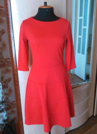 Платье ярко-красное