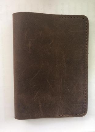 Коричневая кожаня обложка на паспорт, ручная работа