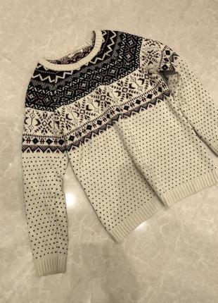 Очень тёплый свитер кофта