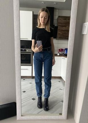 Темно-синие джинсы mango mom