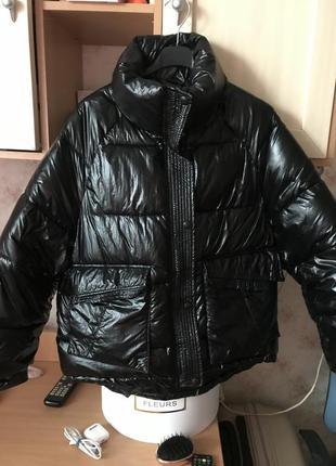 Курточка куртка чёрная под лак