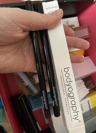 Набор карандашей для глаз  (черный и темно коричневый)