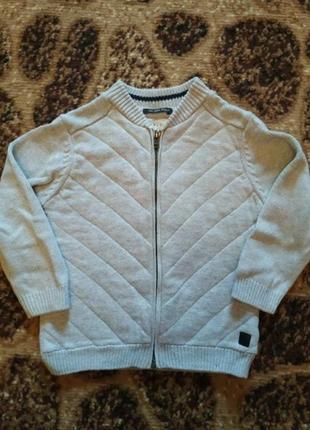 Zara фирменный свитер