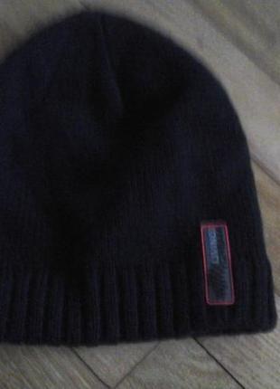 Черная шапка для мальчика фирмы m&s