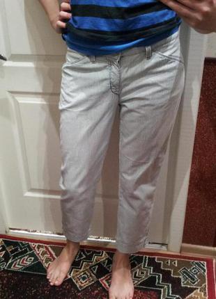 Светло голубые джинсы в полоску pierre cardin