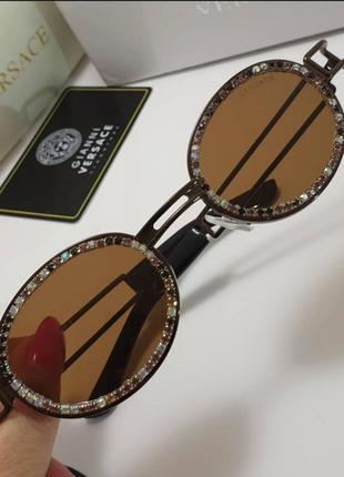 Стильные очки солнцезащитные в камнях разные цвета камни2 фото