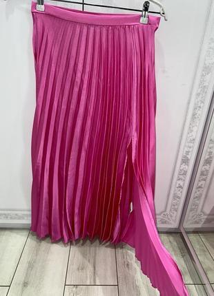 Шёлковая розовая миди юбка с разрезом asos