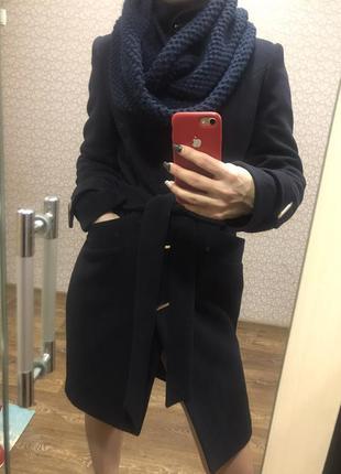 Пальто зимнее + тёплый  вязаный хомут.