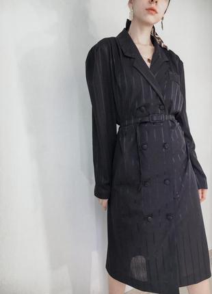 Винтажное платье пиджак трендовое на пуговицах с поясом миди с длинным рукавом