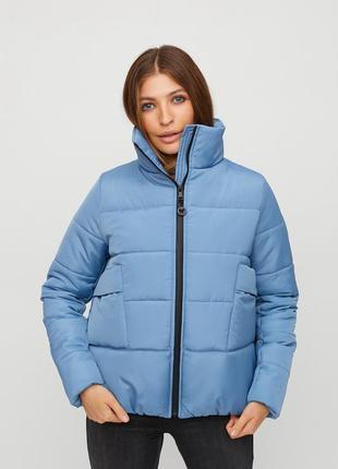 Зимняя объемная куртка с высоким воротником 2021