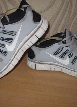 Продам кроссовки для  спорта,бега,фитнеса фирмы nike (оригинал)38,5 размера