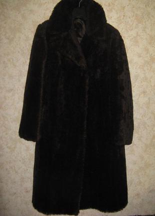 Шуба-пальто из ламы peter hahn коричневая германия