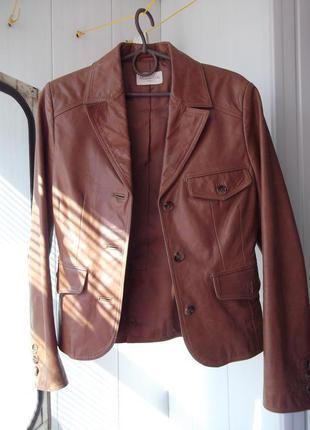 Натуральная кожаная куртка цвета корицы пиджак косуха на пуговицах оригинал